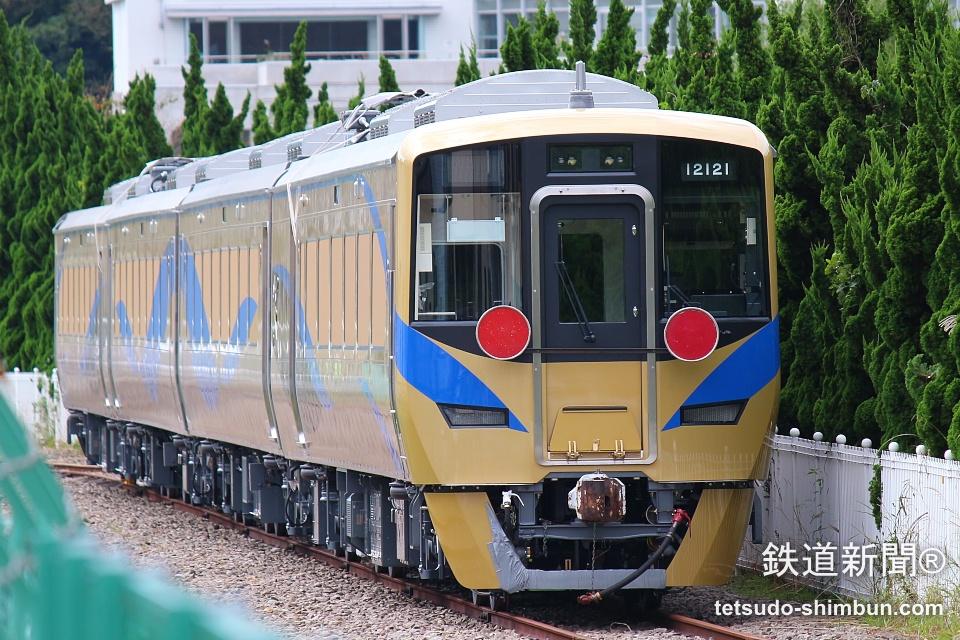 泉北高速鉄道「泉北ライナー」用新型特急車両12000系車両お目見え