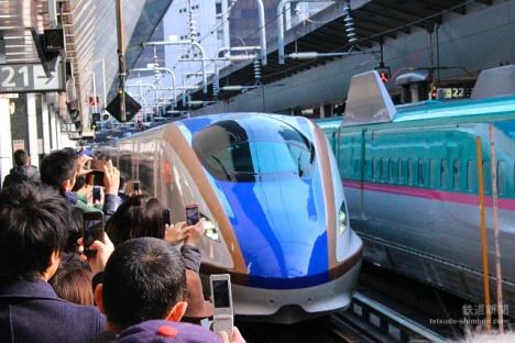北陸新幹線 1番列車