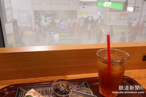 秋葉原駅「のものキッチン」カウンター席