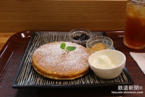 秋葉原駅「のものキッチン」パンケーキ
