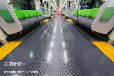 山手線 新型車両 E235系 床