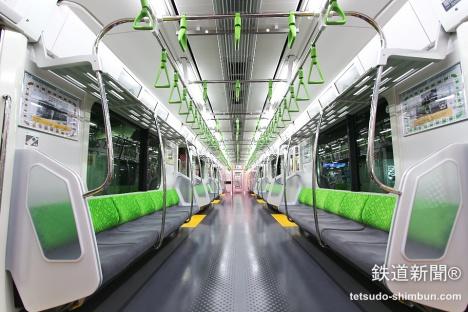 山手線新型車両「E235系」 車内