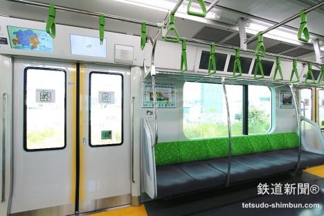 山手線 新型車両 E235系 車内2