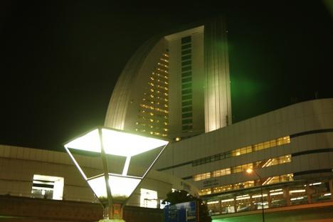 パシフィコ 横浜 カウントダウン 大晦日 元旦 電車