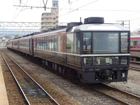 2016年3月に伊豆方面へ走る、「ばんえつ物語」客車
