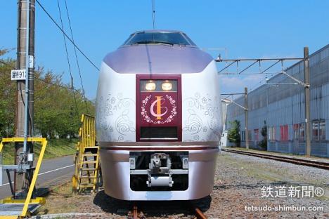 伊東線観光列車「IZU CRAILE 伊豆クレイル」
