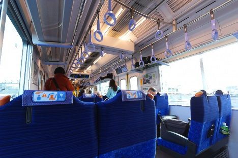 「S-TRAIN」車内