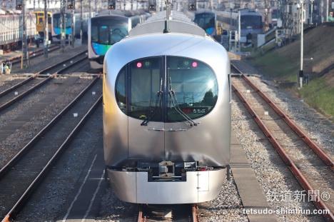 西武鉄道 新型特急車両 ラビュー