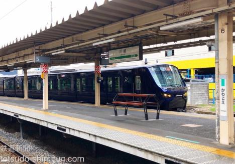川越駅に入線する相鉄12000系