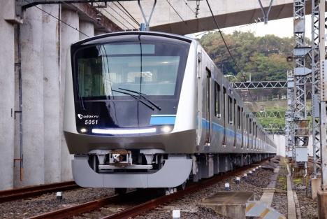 小田急電鉄の新型車両「5000形」お披露目