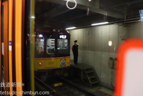 渋谷駅奥の車両基地にも乗ったまま入線