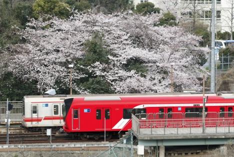 丸の内線新型車両2000系四ツ谷駅付近での走行イメージ