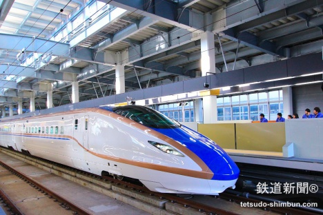 北陸新幹線(撮影:福岡誠)