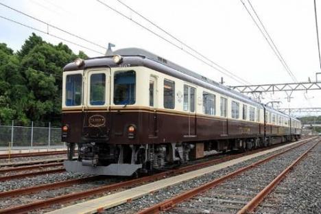 観光列車「つどい」外観(近鉄ニュースリリースより)