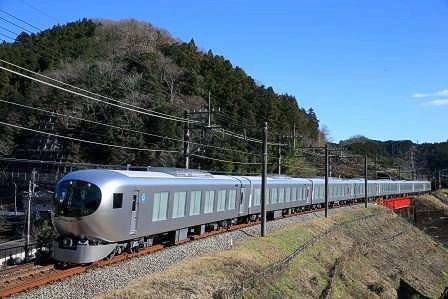 西武新宿線の一部で初運行する「Laview ラビュー」(イメージ)