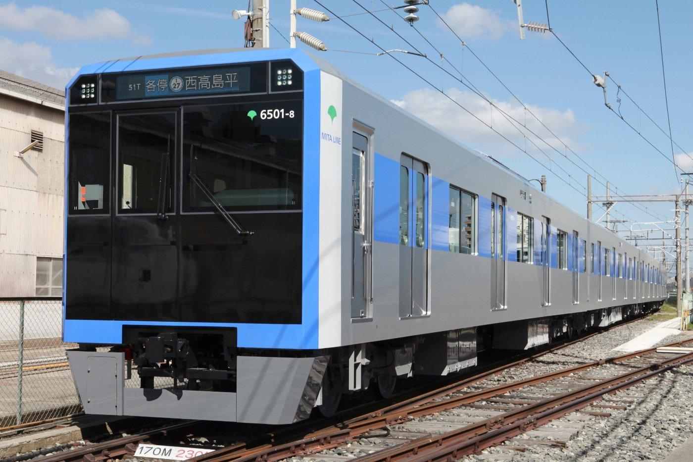 都営三田線に導入される新型車両「6500形」外観